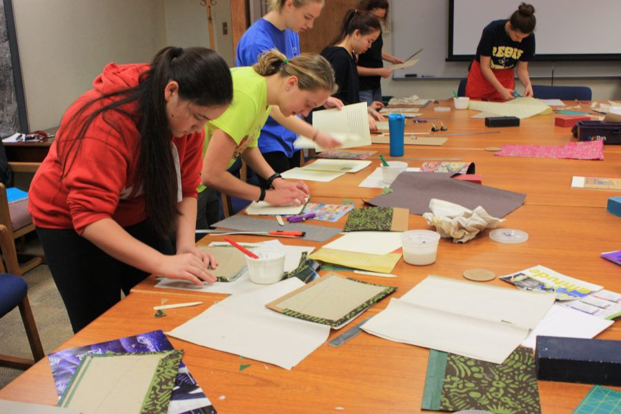 Creative Nonfiction class learns how to bind books