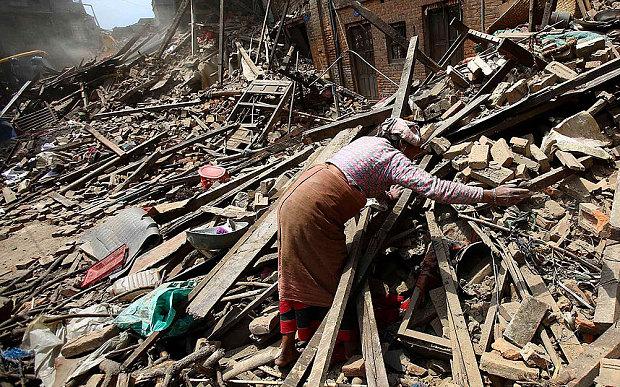 7.9 Earthquake Hits Nepal, 4000+ Dead.