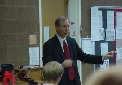 Jonathan Armerding conducting a rehearsal