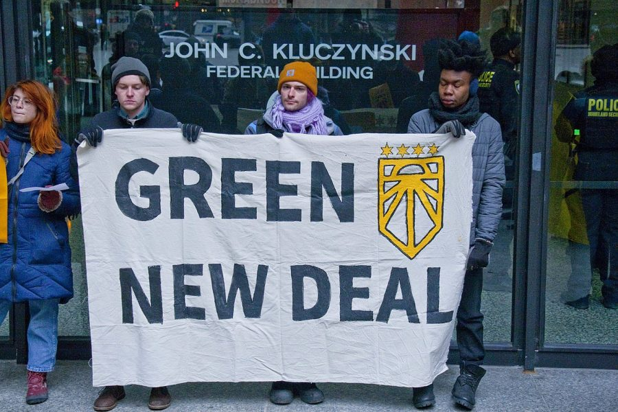 The US Needs a Green New Deal!