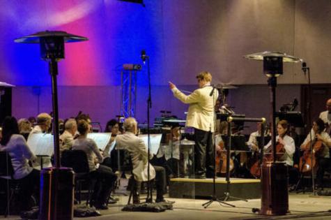 Colin Martin conducting