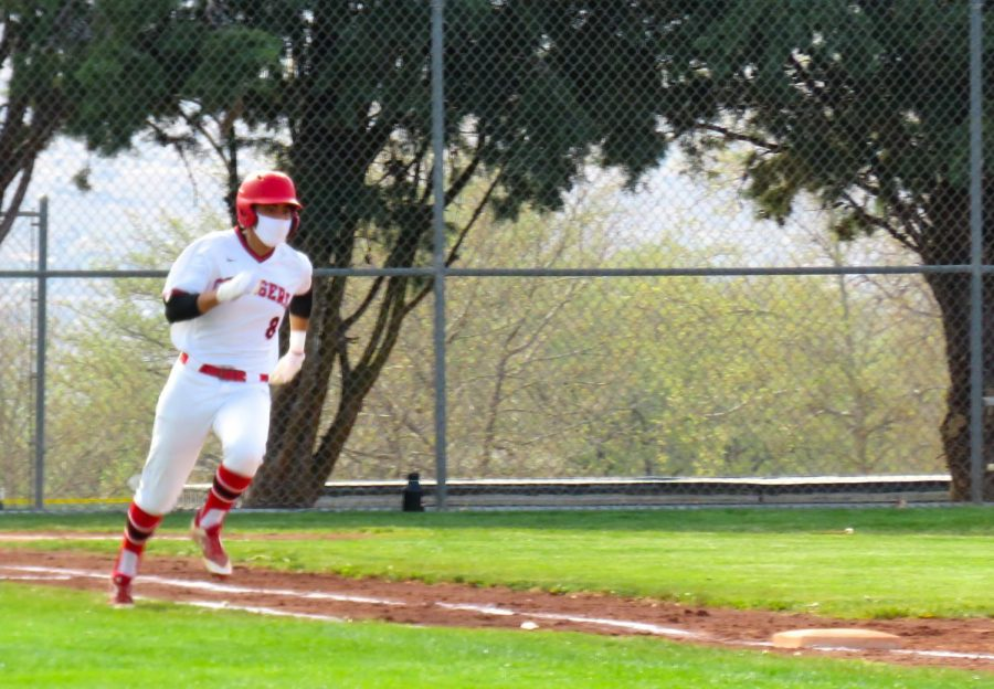 Cody Roe 21 steams to first.